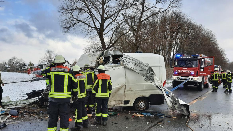 07.04.2021 – Verkehrsunfall Person eingeklemmt