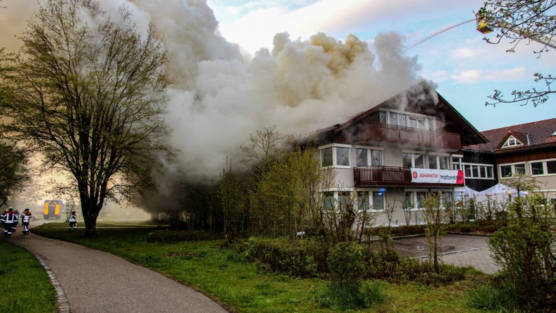 03.05.2021 – Dachstuhlbrand